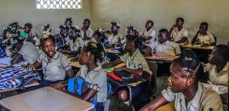 Enfants haïtiens ruraux d'école secondaire Photographie stock