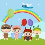Enfants habillés comme costume mignon d'insecte Image stock