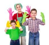 Enfants heureux avec des gants photographie stock libre de droits