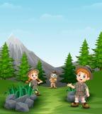 Enfants heureux d'explorateur dans le beau paysage illustration de vecteur