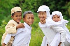 Enfants heureux de groupe Photographie stock