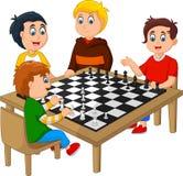 Enfants heureux mignons jouant aux échecs illustration stock