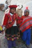 Enfants inca avec des lamas image libre de droits
