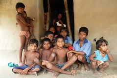 ENFANTS INDIENS DE VILLAGE Photographie stock libre de droits