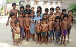 ENFANTS INDIENS DE VILLAGE images libres de droits