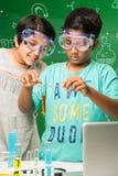 Enfants indiens et science Image libre de droits