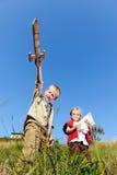 Enfants jouant ensemble Image libre de droits