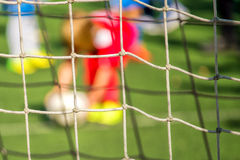 Enfants jouant le football, penalty Images stock