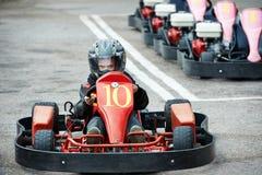 Enfants karting photographie stock