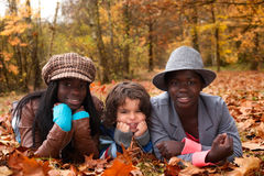 Enfants multiculturels photo stock