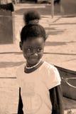 Enfants non identifiés vivant dans le taudis de Mondesa Images stock