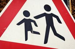 Enfants - panneau routier Images stock