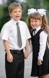 Enfants préscolaires un garçon et une fille images libres de droits