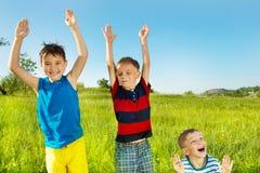 Enfants riants Image stock