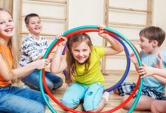 Enfants riants Images libres de droits
