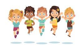 Enfants sautants Enfants de bande dessinée jouant et sauter les caractères étonnés mignons actifs heureux d'isolement de vecteur  illustration libre de droits