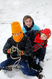 enfants sledging photos stock