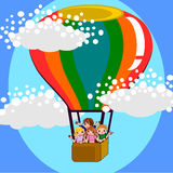 Enfants sur la bande dessinée d'air de ballon Image libre de droits