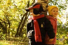 Enfants sur la promenade Images libres de droits