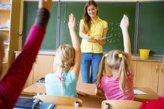 Enfants sur une leçon Image libre de droits