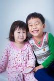 Enfants (thaïlandais) peu asiatiques heureusement Photo libre de droits