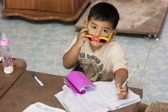 Enfants thaïs dans le jardin d'enfants Photographie stock libre de droits