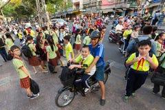 Enfants vietnamiens laissant la classe Photographie stock libre de droits