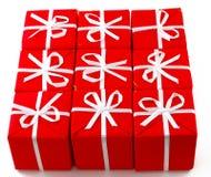 enferme dans une boîte le rouge de cadeau Photographie stock libre de droits