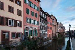 Enfermedad y casas del río en la ciudad vieja de Estrasburgo, Francia fotos de archivo libres de regalías