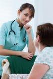 Enfermeira útil Fotos de Stock Royalty Free