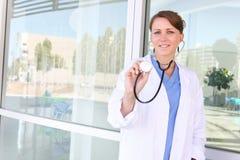 Enfermeira bonita da mulher no hospital Imagem de Stock Royalty Free