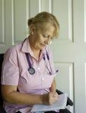 Enfermera en el trabajo. Fotografía de archivo
