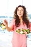Enfermera feliz With Salad Imagen de archivo