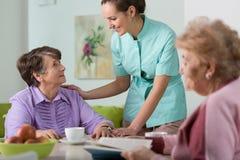 Enfermera que cuida Fotografía de archivo libre de regalías