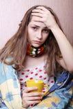 Enfermo de la muchacha en cama Fotografía de archivo
