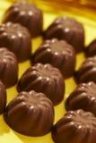 Enfileira o bombom apetitoso do chocolate Fotografia de Stock