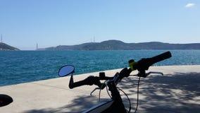 Enfin sur mon vélo Photographie stock