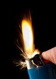 Enflammer de briquet de butane photographie stock