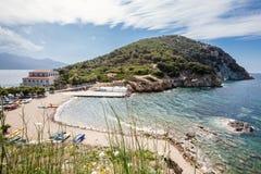 Enfola strand och hav elba ö italy tuscany royaltyfri foto
