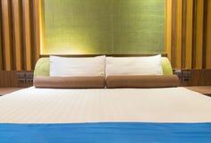 Enfoncez dans une chambre d'hôtel la nuit, Thaïlande Images stock