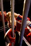 Enfoncez le combat épuisant de boxe Photographie stock libre de droits