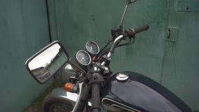 Enfoque adentro del velocímetro de la motocicleta metrajes