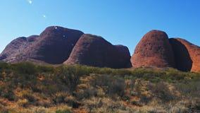 Enfoque adentro en Kata Tjuta en el Territorio del Norte de Australia almacen de video