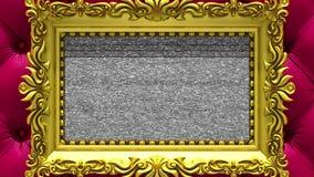 Enfoque de la cámara en el marco del oro en fondo de la tapicería roja de lujo El ruido de la TV y la croma verde cierran juegos  libre illustration