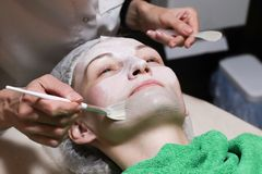 Enfrente a máscara da casca, tratamento da beleza dos termas, skincare imagem de stock