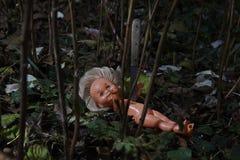 Eng Doll Kindmisbruik Misdadige scène Royalty-vrije Stock Foto
