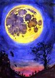 Eng nachtlandschap met een kasteel, een begraafplaats, een oude boom en de volle maan Stock Foto