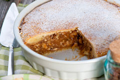 Engadine Mutterenkuchen (Engadiner Nusstorte) Stockfotos