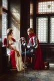 Engagement d'un chevalier et d'une Madame photos stock