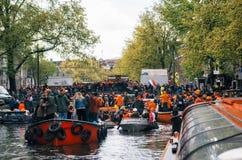 Engarrafamento dos barcos em Amsterdão imagem de stock